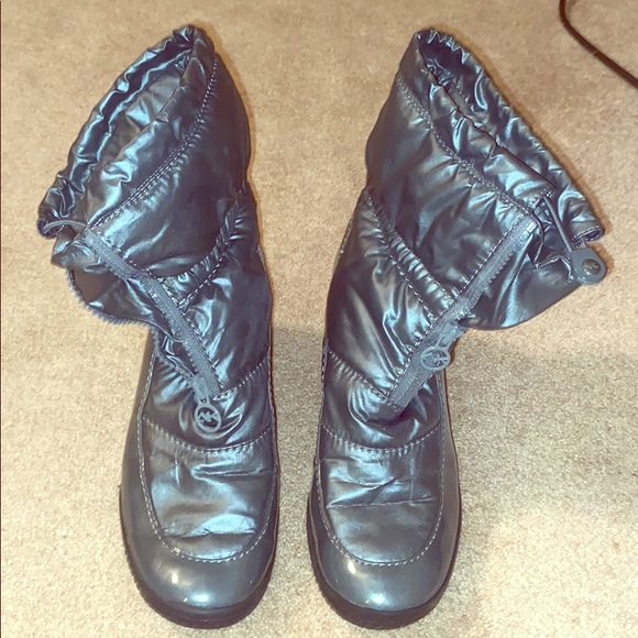 Anne Klein Sport winter boots
